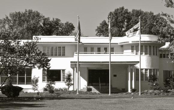 THE CHATOL HOUSE & GARDENS (NRHP #79001346, Centralia MO)